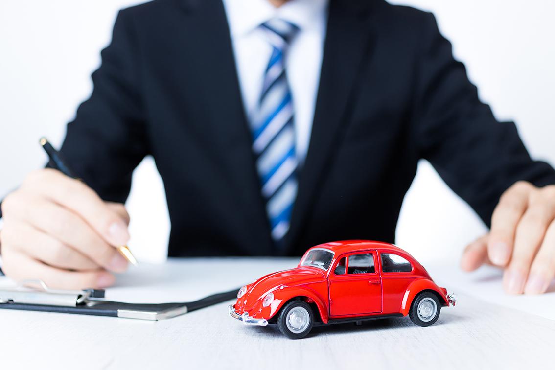 自動車保険の個人から法人引継ぎについて